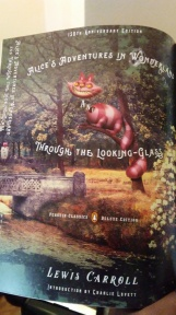 Alice's Adventures in Wonderland & Through the Looking Glass by Lewis Carroll (Deluxe Classics)