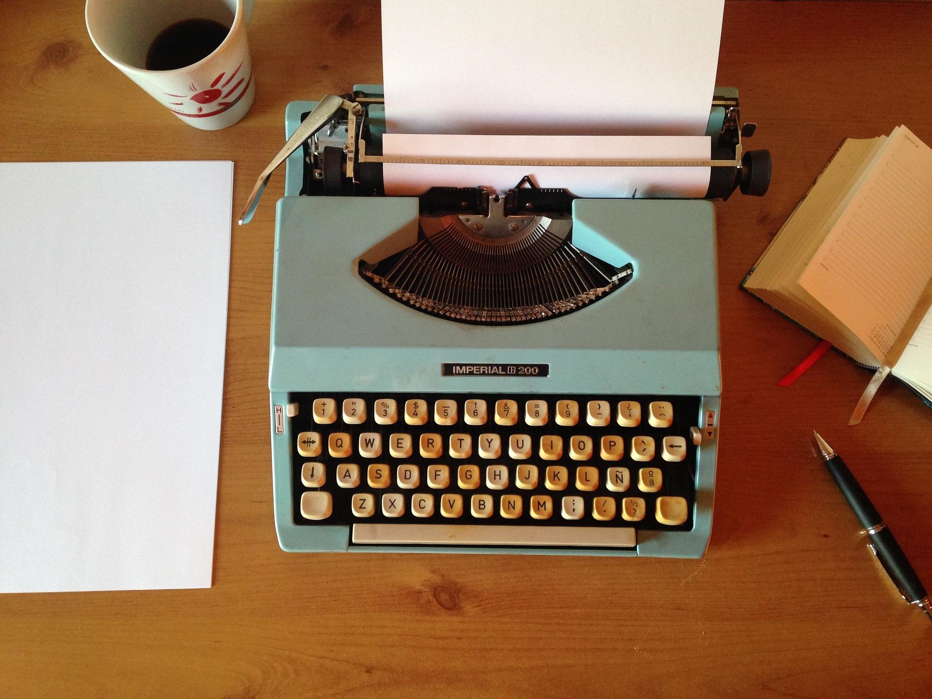 machine-writing-1035292_1920